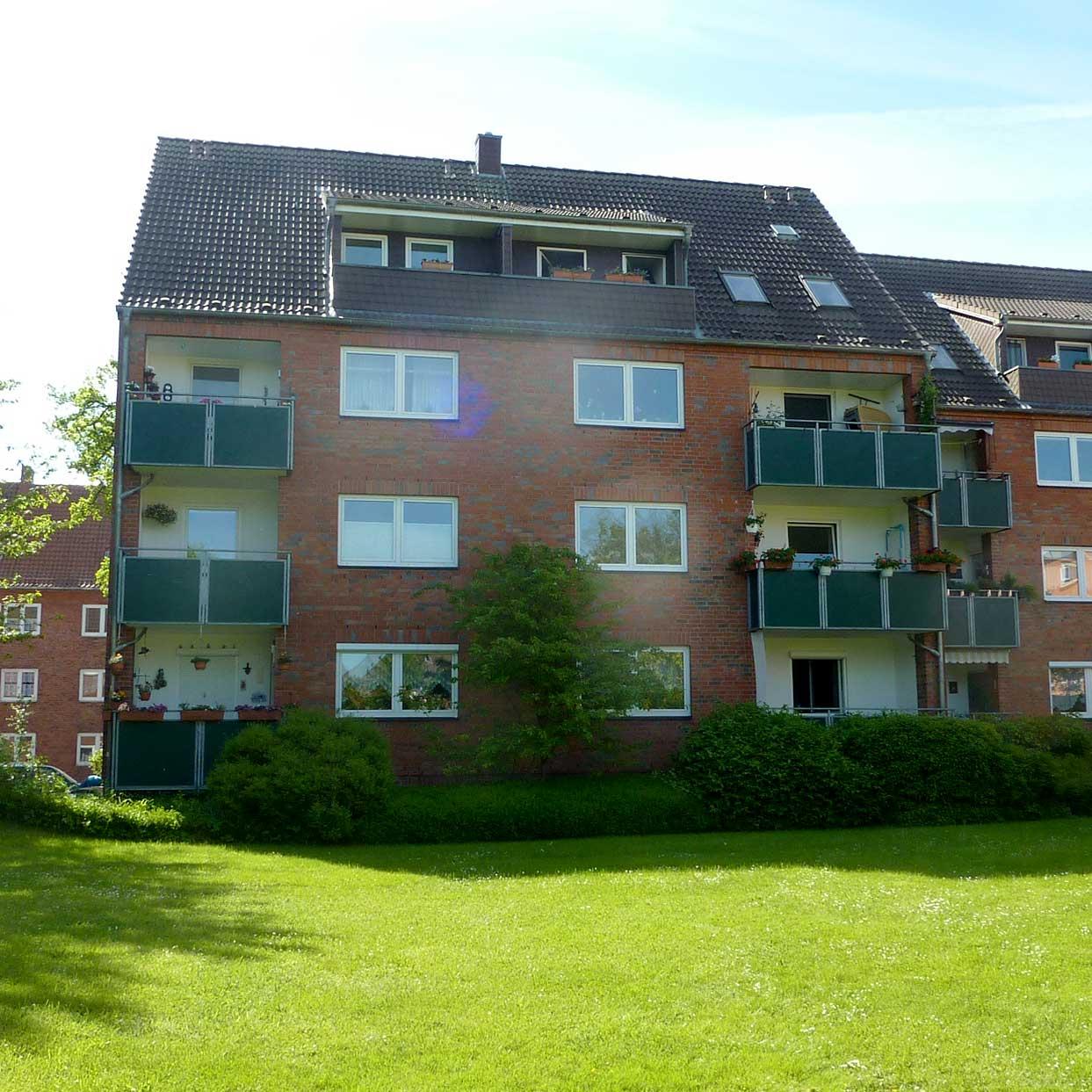 Hofansicht eines Wohnhauses der Baugenossenschaft Kiel Hassee
